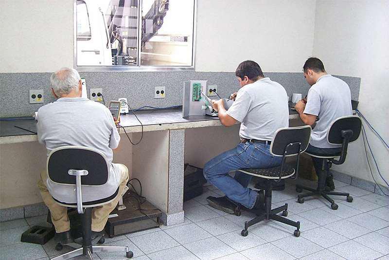 Manutenção de balança digital